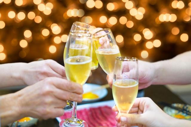 ダイエット中に迎えるクリスマスパーティ、忘年会や新年会をどう乗り切る?
